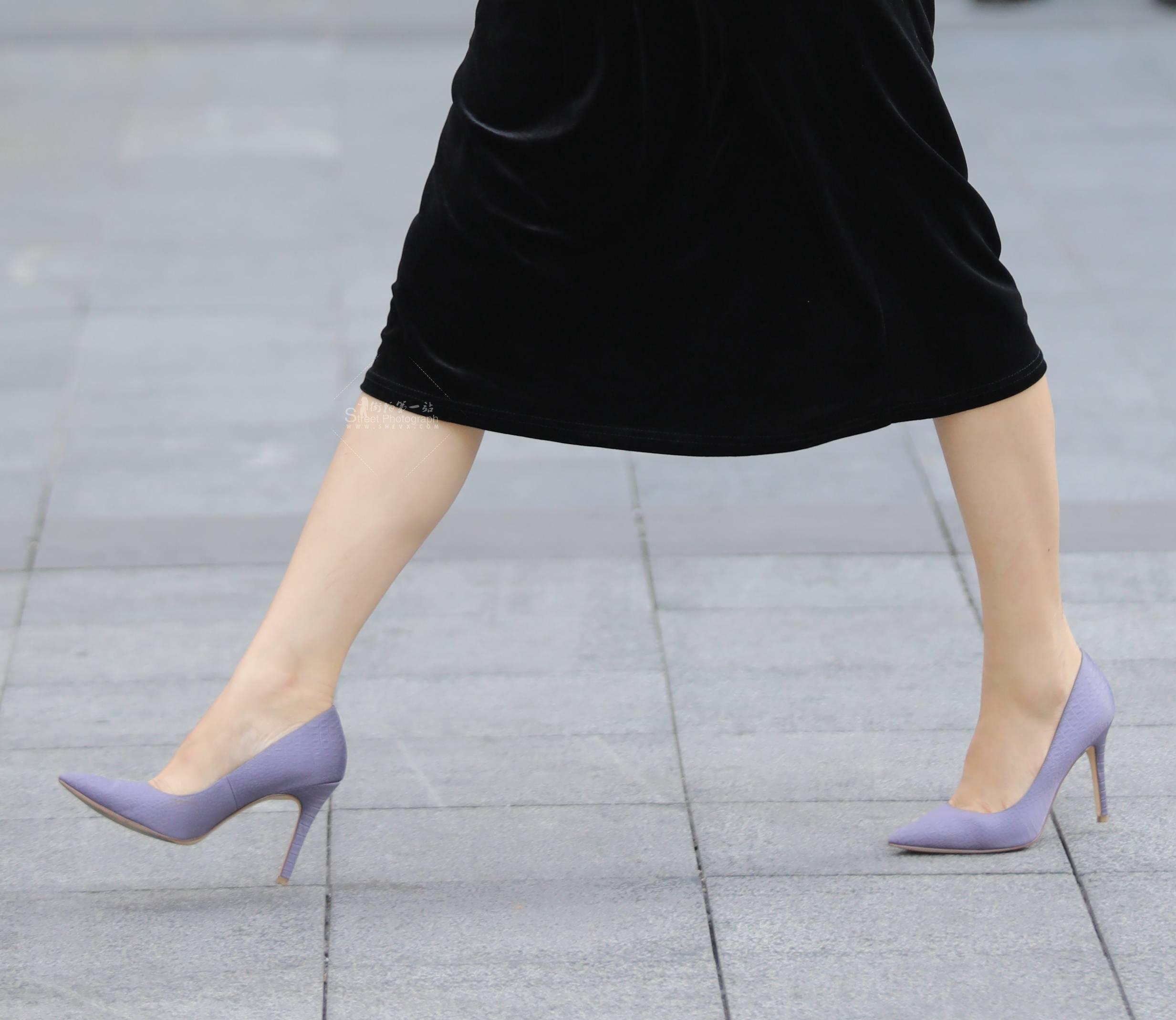 街拍高跟 【珏一笑而过】黑裙 高跟Shao Fu 最新街拍丝袜图片 街拍丝袜第一站