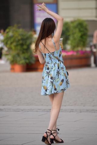 VIP街拍图片发布  吊带街拍短裙-14张 街拍第一站全网原创独发!