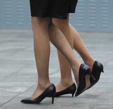 【珏一笑而过】街拍丝袜高跟OL