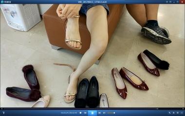洗面奶视频  夏日鞋店裸足街拍美女试鞋合集[02:45] 街拍第一站全网原创独发!