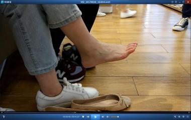 洗面奶视频  白袜嫩足街拍美女试鞋精彩合集[01:57] 街拍第一站全网原创独发!
