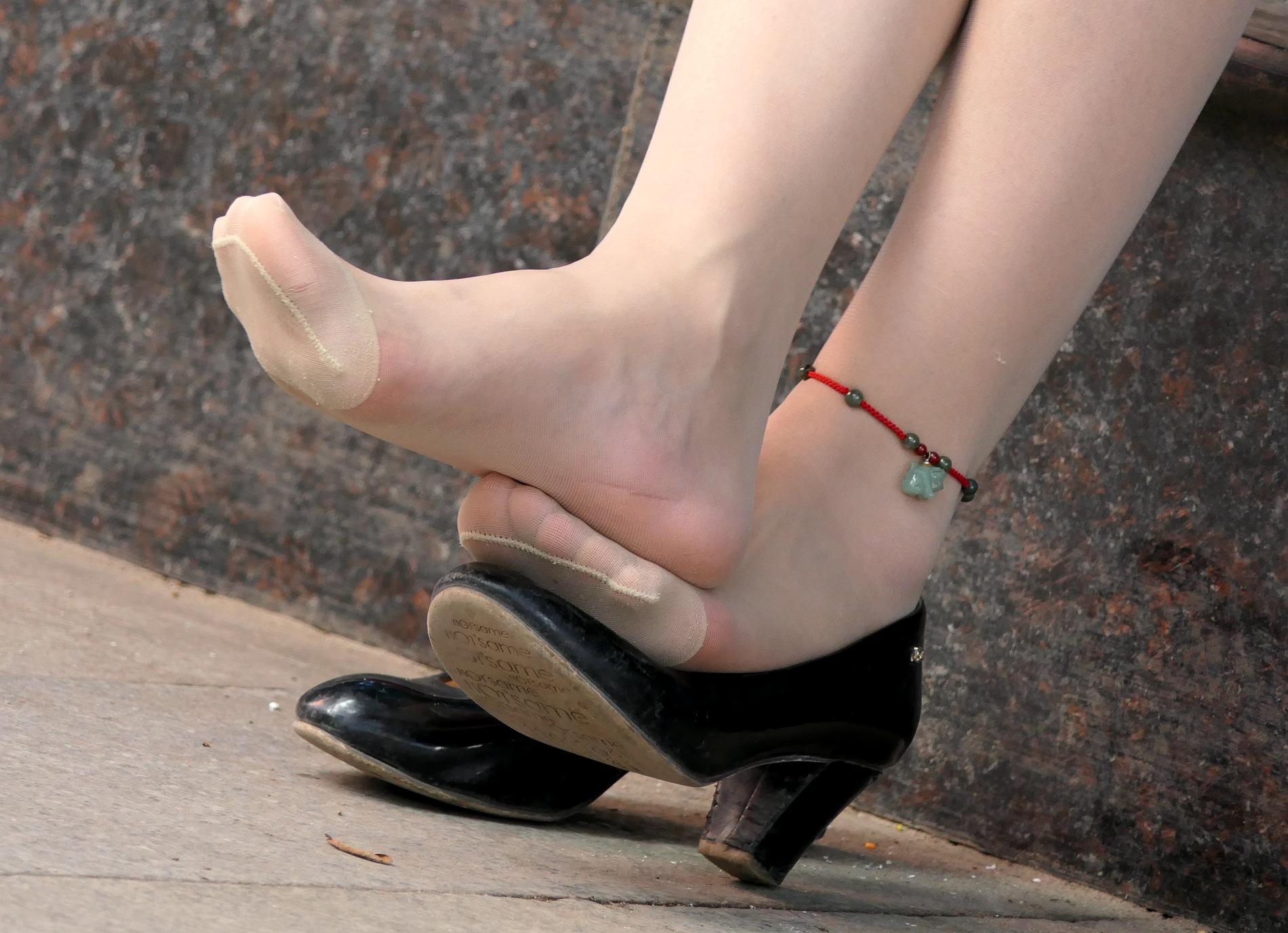 【jim2】街拍长腿肉丝袜美女(19p) - 签约原创独发作品- 街拍第一站