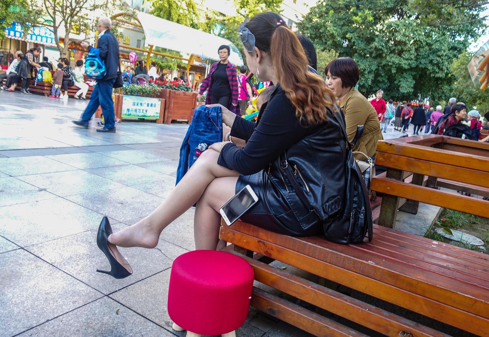 【jim2】黑裙长腿肉街拍丝袜美女(13p) - 签约原创独发作品- 街拍第一站