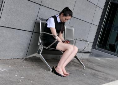 【jim2】漂亮的制服街拍长腿美女(12p)