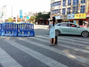 [原创申请客服QQ:1245904381]  穿着肉色超薄透明连裤街拍丝袜的女人 街拍第一站全网原创独发!