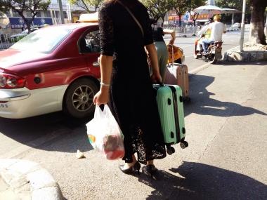 [原创申请客服QQ:1245904381]  穿着肉色透明连裤丝袜和黑色长连衣裙的街拍美女 街拍第一站全网原创独发!