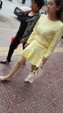 [原创练习作业/水平提高交流]  迎面走来的踩脚肉街拍丝袜**Shao Fu[8P] 街拍第一站全网原创独发!
