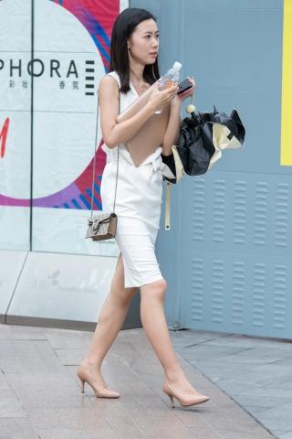 特约名家街拍  俊风摄影+重庆9月69贴 颜值身材气质一流又惑肉色高跟极品街拍美女 街拍第一站全网原创独发!