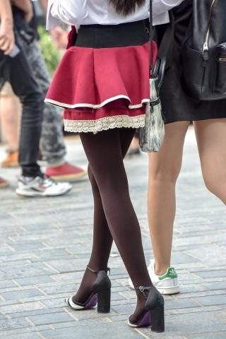 特约名家街拍  街拍黑丝短裙小美女 街拍第一站全网原创独发!