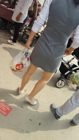 [原创练习作业/水平提高交流]  菜市场跟拍超薄肉街拍丝袜小白高Shao Fu[13P] 街拍第一站全网原创独发!