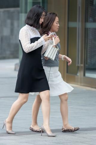 俊风摄影+重庆9月113贴 整体感觉不错的又惑丝袜街拍高跟Shao Fu