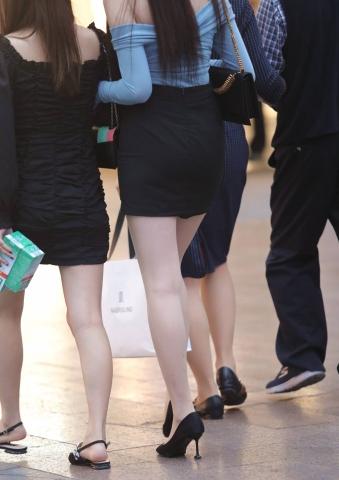 【珏一笑而过】极品高跟街拍包臀裙Shao Fu