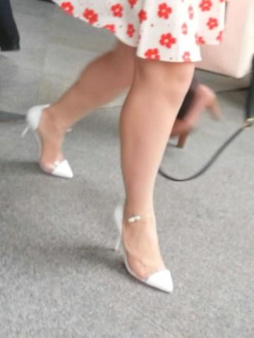 皇家警卫旗视频  裸腿花裙**(1分19秒,162.14MB,1080P,三星 GT-I9308) 街拍第一站全网原创独发!