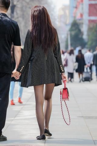 街拍套图超市(招聘原创)  收藏版----黑丝长腿气质街拍美女70张 街拍第一站全网原创独发!
