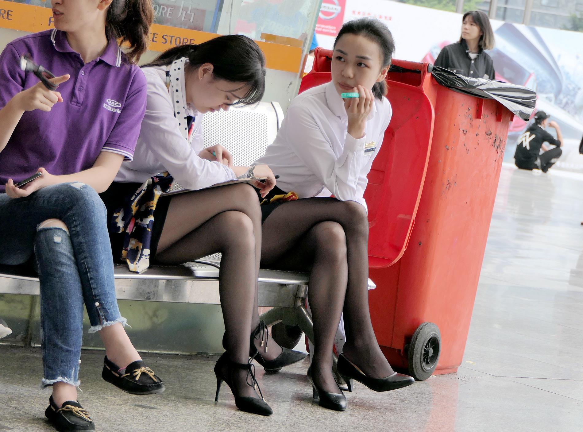 【jim2】2个漂亮的长腿黑街拍丝袜美女(15p) - 签约原创独发作品- 街拍第一站