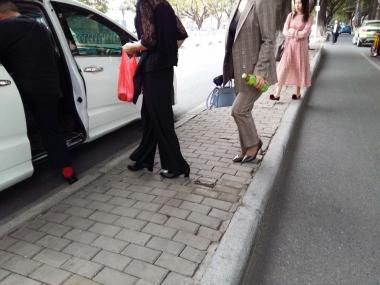 [原创申请客服QQ:1245904381]  穿着黑色超薄透明短丝袜的街拍女人 街拍第一站全网原创独发!
