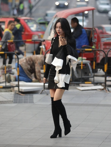 签约原创独发作品  【珏一笑而过】漂亮长筒靴Shao Fu 街拍第一站全网原创独发!