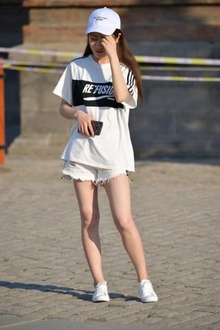 白色套装-街拍丝袜第一站