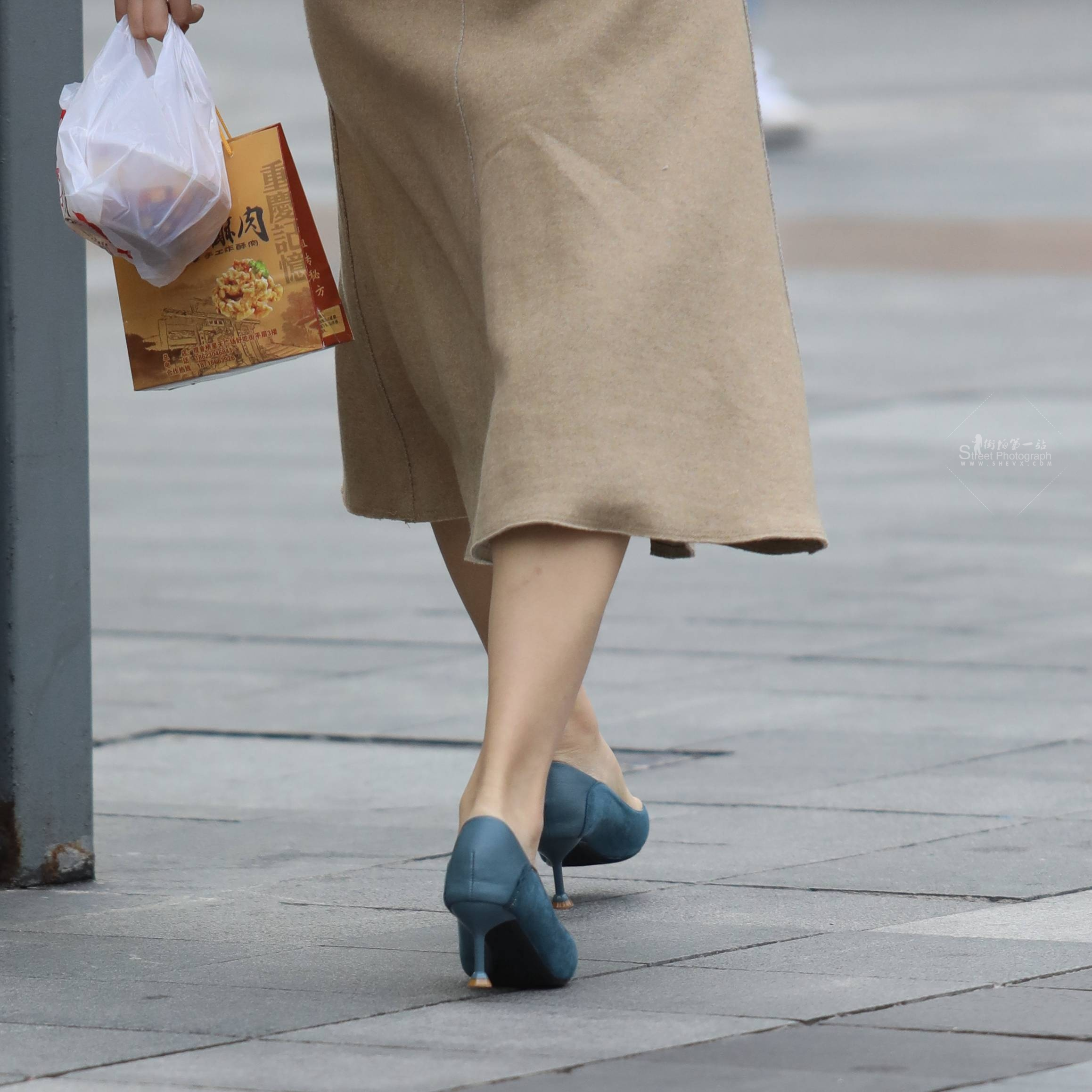 街拍高跟,街拍玉足 【玨一笑而過】玉足 高跟Shao Fu 最新街拍絲襪圖片 街拍絲襪第一站