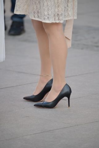肉 丝袜黑高跟-街拍丝袜第一站