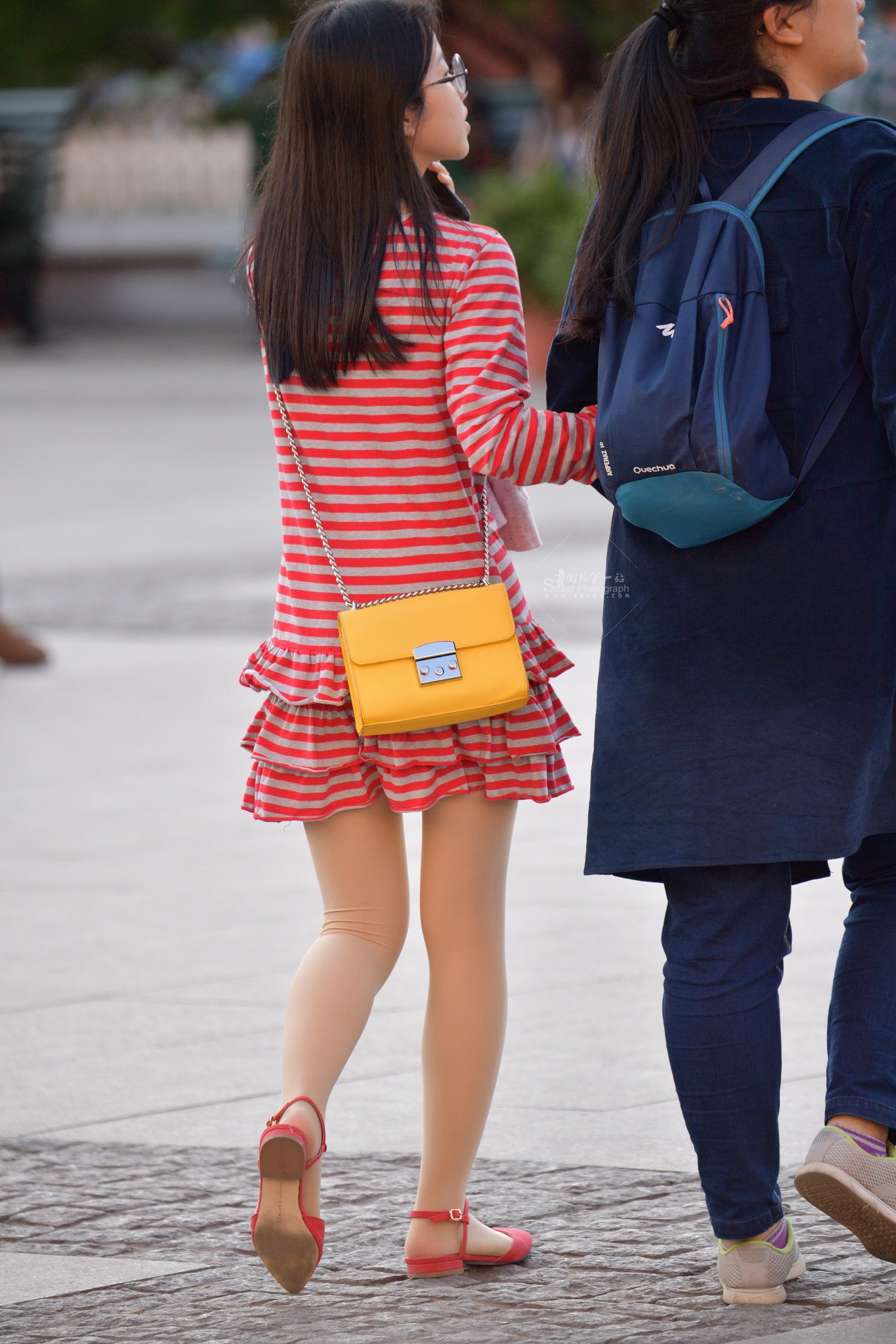 眼镜格子连衣裙