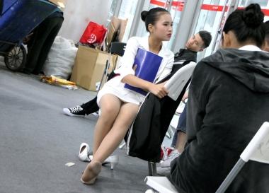 [权限要求:两年期VIP及以上]  【jim2】白裙 肉 丝 袜 袜长腿 美 女 (12p) 街拍第一站全网原创独发!