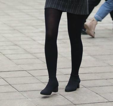 [权限要求:三年期VIP及以上]  【珏一笑而过】  黑 丝 短裙Shao Fu 街拍第一站全网原创独发!