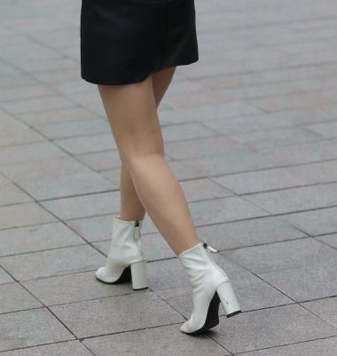 [权限要求:三年期VIP及以上]  【珏一笑而过】诱惑皮裙 肉 丝 袜 Shao Fu-13P 街拍第一站全网原创独发!