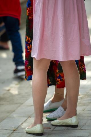 [权限要求:三年期VIP及以上]  【原创】粉色裙子平底鞋肉色  丝 袜  美 女 【11P】 街拍第一站全网原创独发!
