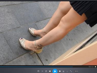 徐香视频  两个 高跟-鱼嘴细 高跟+一字带细 高跟 街拍第一站全网原创独发!