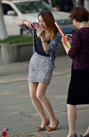 街拍丝袜网易博客_20哈尔滨街拍 新浪博客20-最新街拍丝袜美女-街拍丝袜第一站