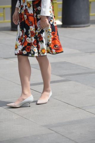 肉 丝袜高跟新娘和假日明星最新街拍2016图片一起来旅行,vip好友110张原图福利下载-街拍丝袜第一站