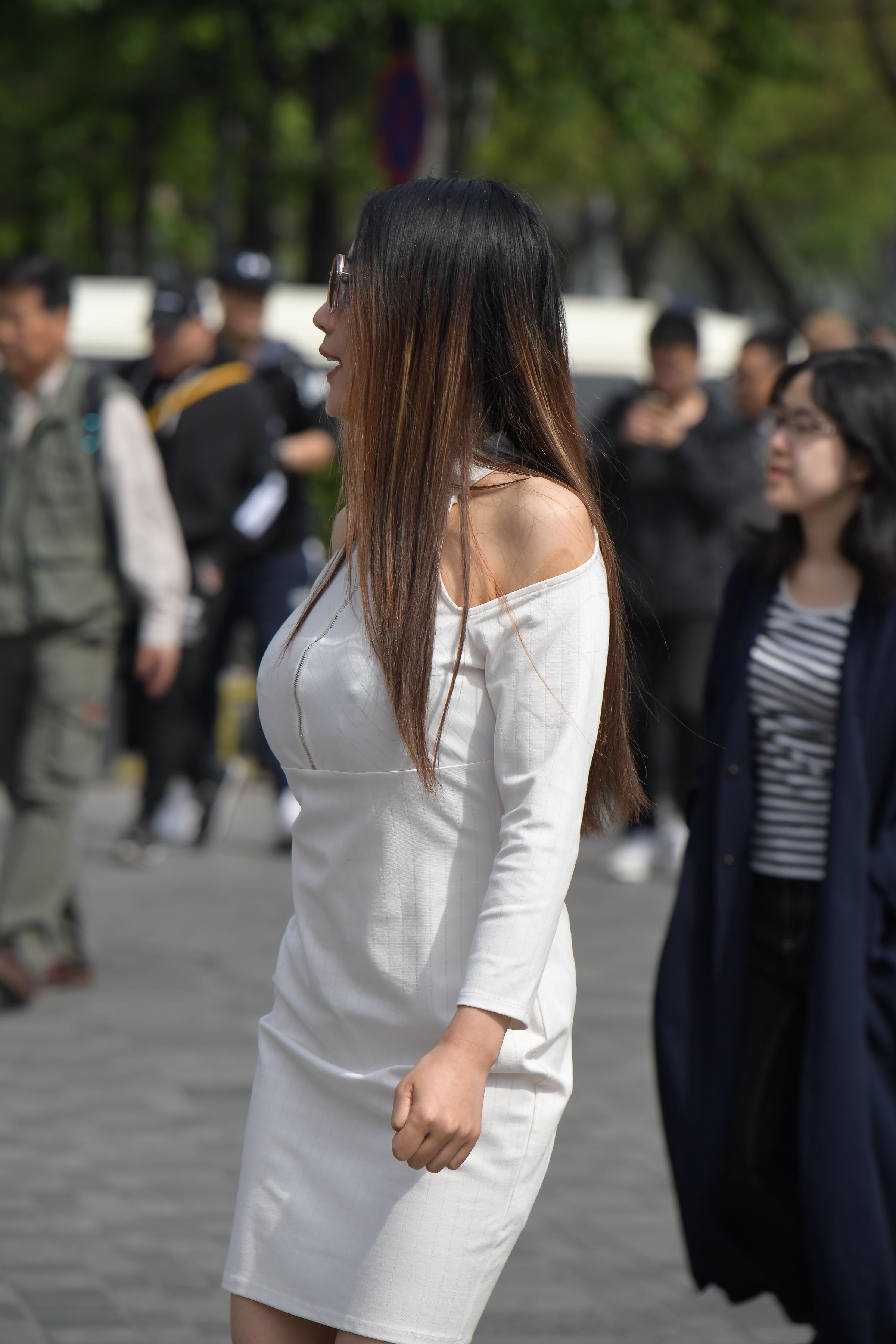 白色套装丽人, 高跟大挺之美,vip好明星穿短靴街拍友尊享58张原图下载