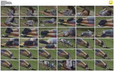 4K视频  大圣4K-草地Shao Fu通透的蓝色 船袜隐约透露出诱惑 街拍第一站全网原创独发!