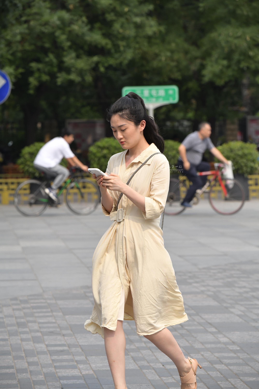 Vi街拍白裤视频p用户专享
