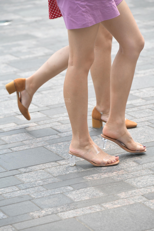 Vi高铁站挑鞋视频p用户专享