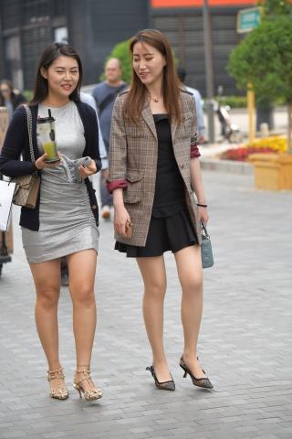 Vip用户专身材超棒的知性美女1享-街拍丝袜第一站