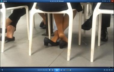 HSP视频  【HSP's video】餐桌下不安分的  丝 足 [07:56] 街拍第一站全网原创独发!