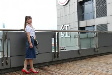 霞霞系列(1) 街拍穿丝袜的女孩23P 223MB