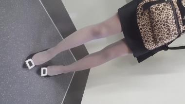 丝腿视频137 苗条的珠光 灰丝 - BBC视频- 街拍第一站