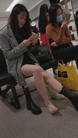 101264331视频  鞋店系列高颜值长发 美 女 超薄肉 丝 袜 袜长靴换鞋唯美4K 视 频 街拍第一站全网原创独发!