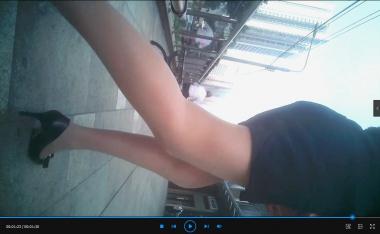 丝腿视频3合1(黑 丝辣妈4分35+肉 丝OL1分50+坐身旁的肉 丝高跟1分30) - 苏大熊视频- 街拍第一站