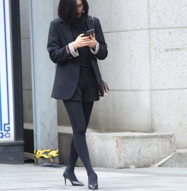 【珏一笑而过】诱惑黑 丝高跟少 妇 - VIP街拍图片发布- 街拍第一站