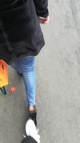 其它视频极品超薄黑 丝小姐姐的高跟鞋被踩掉了!! - wangjunren视频- 街拍第一站