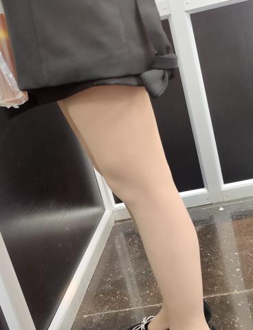 丝腿视频买东西的肉 丝高跟 - prada视频- 街拍第一站