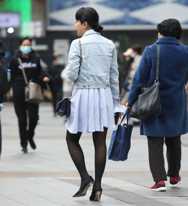 【珏一笑而过】黑 丝高跟少 妇 - VIP街拍图片发布- 街拍第一站