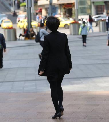 【珏一笑而过】气质黑 丝高跟OL - VIP街拍图片发布- 街拍第一站