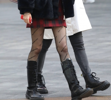 【珏一笑而过】黑 丝短裙妹子 - VIP街拍图片发布- 街拍第一站