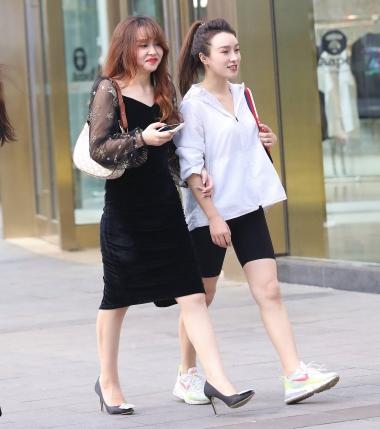 【珏一笑而过】黑裙细高跟少 妇 - VIP街拍图片发布- 街拍第一站