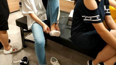 洗面奶视频  两位船袜美 女试鞋合集[02:10] 街拍第一站全网原创独发!